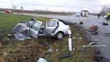 Drsná nehoda na křižovatce smrti u Hodonína, tři zranění, ženu oživovali: Policie hledá svědky