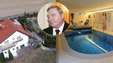 Rok od smrti Zemanova exlobbisty: Šloufovo megasídlo je na prodej za 35 milionů