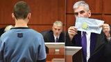 Mladík (24) z Mostu se pokusil ubodat matku nožem: Podle rodičů zničehonic zešílel!