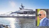 """Pracháč si koupil """"hračku"""" za miliardy: Na jachtě má bazén, plážový klub i dva helipady!"""
