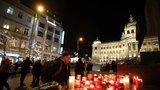 ONLINE: Před 50 lety se upálil Jan Palach. Prahou prošel vzpomínkový průvod světel