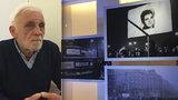20 let skrýval Palachův pohřeb pod kobercem: Fotograf Jiří Chocholáč (76) fotil pražské slečny, tanky a smutek