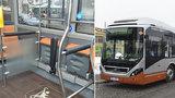 Praha testuje hybridní autobus z Bruselu: Má šetřit naftu, řidiči se musí učit novou techniku jízdy