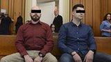 Škrcení a fackování mladíka policisty na služebně: Jeden dostal podmínku, druhý vyvázl