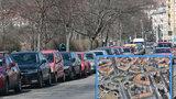 Zóny placeného stání se v Praze 6 rozšíří. Městská část by je chtěla všude