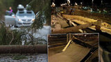Orkán Eberhard zastavil vlaky i auta. V Olomouci spadla střecha nádraží do kolejiště