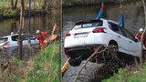 Tragická nehoda na Brněnsku: Muž se ženou sjeli s autem do Svratky, ani jeden nepřežil
