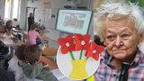 """Dojemné! Páťáci šetří peníze pro nemocnou babičku (85): """"Já si nedám sušenku, já mám radši Helenku!"""""""