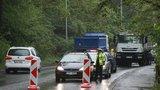 Dopravní peklo na Žižkově: Oprava plynovodu na tři měsíce uzavřela ulici Pod Krejcárkem