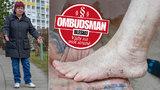 Seniorka (68) má nohu plnou šroubů: Na namrzlém chodníku si zlomila kotník! Kdo zaplatí odškodné?