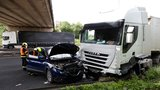 Nehoda zablokovala dálnici D8 u Letňan: Z centra byla hodinu neprůjezdná
