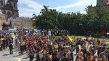 Náměstek navrhne Praze vyhlásit stav klimatické nouze. Stávkovaly stovky studentů, vědí ale proč?