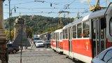 Na Andělu týden nepojedou tramvaje. Prahu 5 čekají v létě i další dopravní omezení