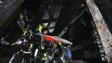Zahradní altán lehl popelem: Do Stodůlek v noci vyjížděli profesionální i dobrovolní hasiči
