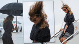 Melania Trumpová marně bojovala s živly: První dámu pozlobil vítr i déšť