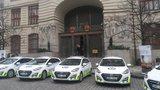 Strážníci testují elektromobily: Mohly by vystřídat všechny vozy městské policie