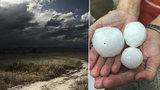 Silné bouřky udeřily napříč Českem. Pozor i na kroupy, sledujte radar