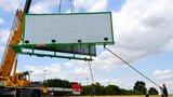 Reklamní billboardy u pražských silnic jdou k zemi: Všechny zmizí do konce roku