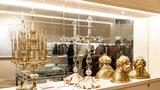 Poklady za miliony v každé vitríně! Výstava na Pražském hradě připomíná 600 let od smrti Václava IV.