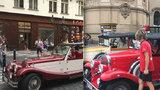 """Zátah na """"historické"""" vozy ukázal: Centrum Prahy brázdí rolby a traktory! Z 58 kontrol dopadly dobře jen tři"""