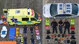 Tetris Challenge hýbe Českem! Pohled do sanitky a aut policie a hasičů. Jediné pravidlo zní: Vyskládej se na zem!