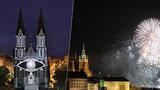 Novoroční ohňostroj, nebo videomapping? Letos bude v Praze nejspíš obojí