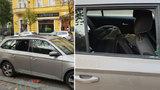 Rozbil okénko a utekl s lupem: Zlodějovo počínání natočila palubní kamera