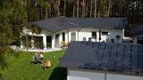 Využívejte sluneční energie a pořiďte si solární střechu