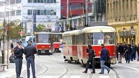 Komplikace v Praze 5: Mezi Andělem a Smíchovským nádražím dva týdny nepojedou tramvaje. Kvůli opravám
