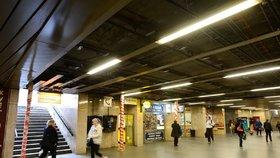 Dopravní podniky brzy spustí eskalátory na Andělu: Plánuje opravit stanice metra Flora a Opatov