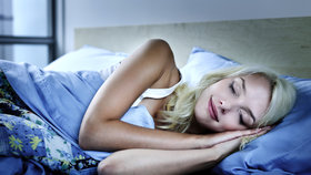 Spíte špatně? Zařiďte si klidný spánek v 7 krocích