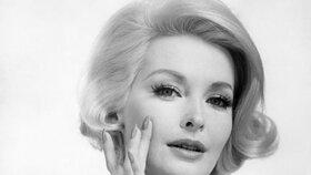 Kosmetika, která nestárne: Tyhle produkty milovaly už naše babičky!