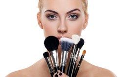 6 dokonalých kosmetických štětců, které vám nezruinují peněženku!