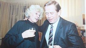 21 let po smrti Olgy Havlové (†62) promluvil její exmilenec! Je to slavný herec!
