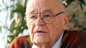 Pohřeb Václava Vorlíčka (†88) museli rychle zkrátit! To si nezasloužil...