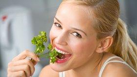 Zelenina dobrá jen do bramboračky? Poznejte afrodiziakální účinky celeru a petržele!