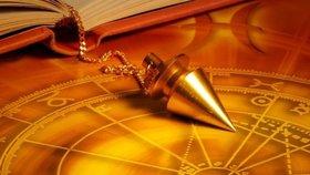 Na vlastní kůži: Jak to chodí u kartářky, astrologa nebo chiromantky