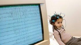 Lékaři se snaží vyzrát na epilepsii. V boji jim pomáhají i mobilní aplikace