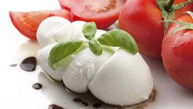 Domácí mozzarella za 30 minut: Vyrobte si tenhle skvělý sýr sami!