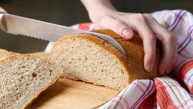 """Půlku """"Šumavy"""" prosím: Ukrojte si krajíc, je světový den chleba"""