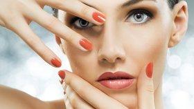 8 triků, díky kterým vám lak na nehtech vydrží perfektní celý týden