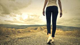 Bolí vás při chůzi nohy? Možná máte plochou klenbu
