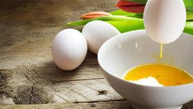 Jak vyfouknout vajíčko jednou dírkou a bez námahy?