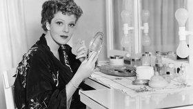 10 triků proti vráskám, které byste se měla naučit od své babičky