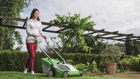 5 osvědčených rad pro dokonalý letní trávník. Základem je sečení