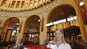 Legendární Fantova kavárna se po pauze znovu otevírá: Správa železnic našla nového provozovatele