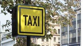 """""""Přepadovka"""" pražských taxikářů. Třetina si účtovala víc, než měla"""