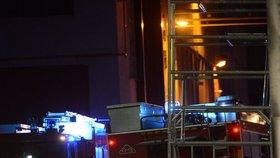 Náročná noc pro hasiče na Kolínsku: V Kouřimi vzplála kompresní stanice!