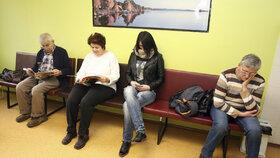 Zdraví v ohrožení? Třetina Čechů má problém zaplatit léčbu a medikamenty