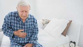 Rakovina slinivky je zákeřný zabiják. Jak poznáte, že se plíží právě k vám?